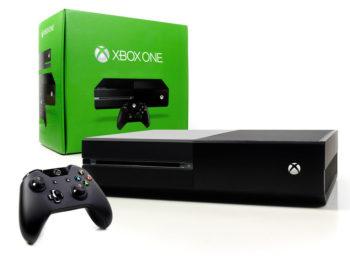 Xbox One 500 гб + 4 Игры б/у